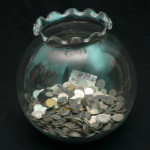 4 Steps towards Saving Money and Keeping it There