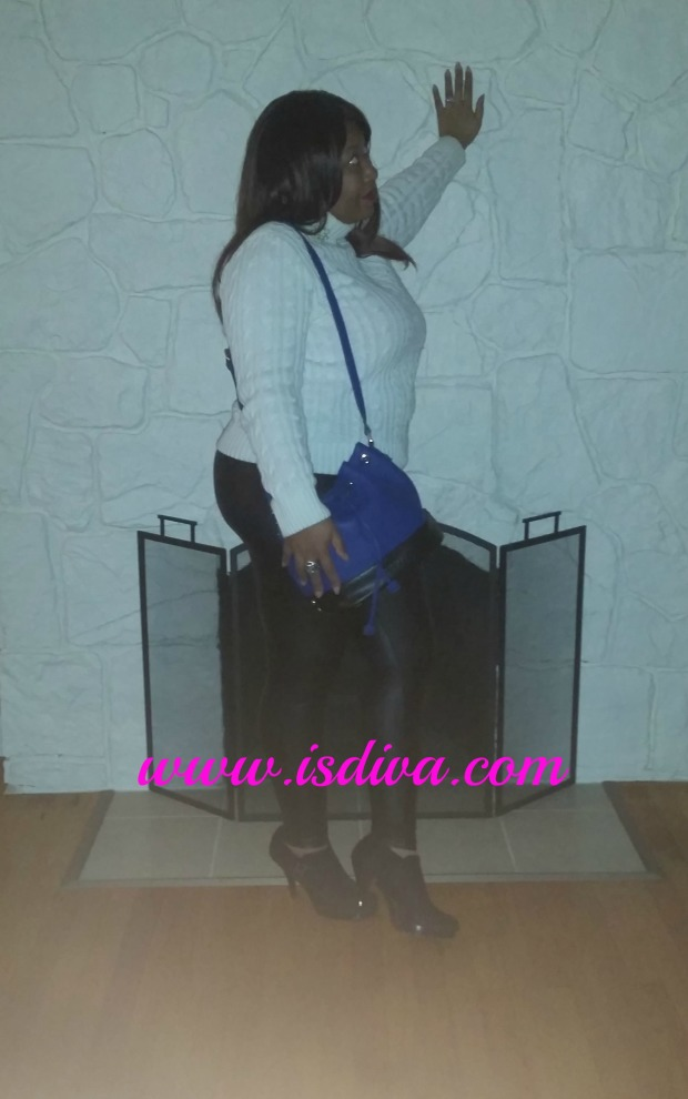 Fabulous SUSU Purse Review & Giveaway fireplace