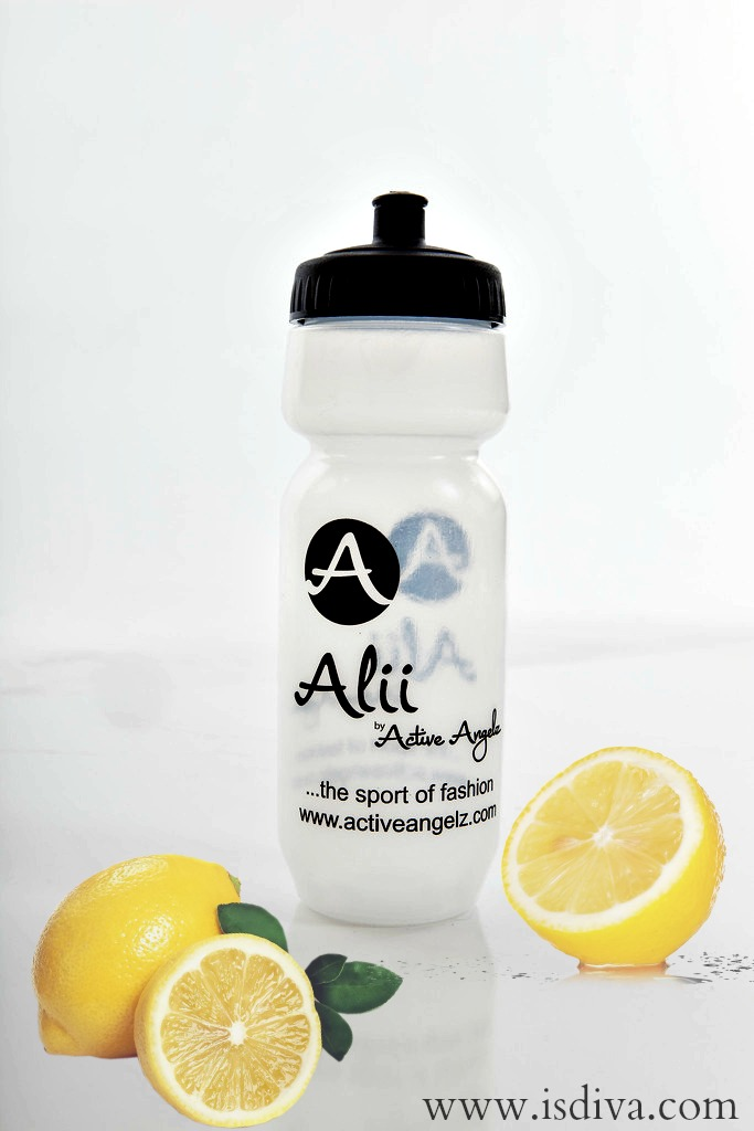 Stay hydrated wherever you are with an Alii water bottle